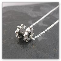 Square enix accessory final fantasy vii silver pendantcloud strife mozeypictures Choice Image